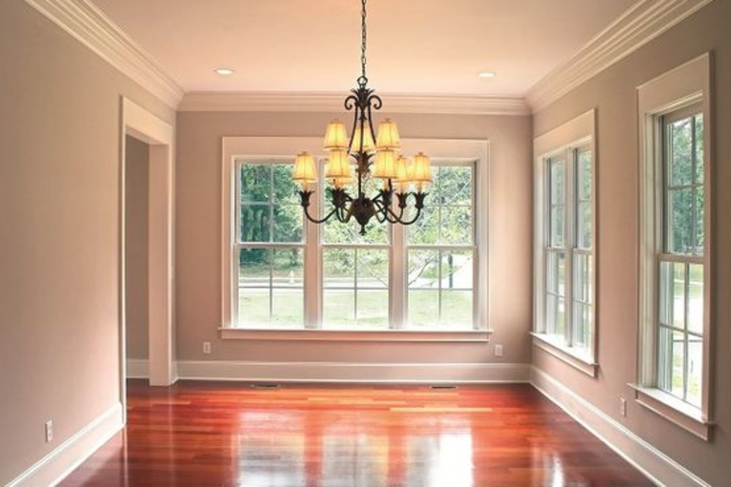 Bayer Built dining room molding